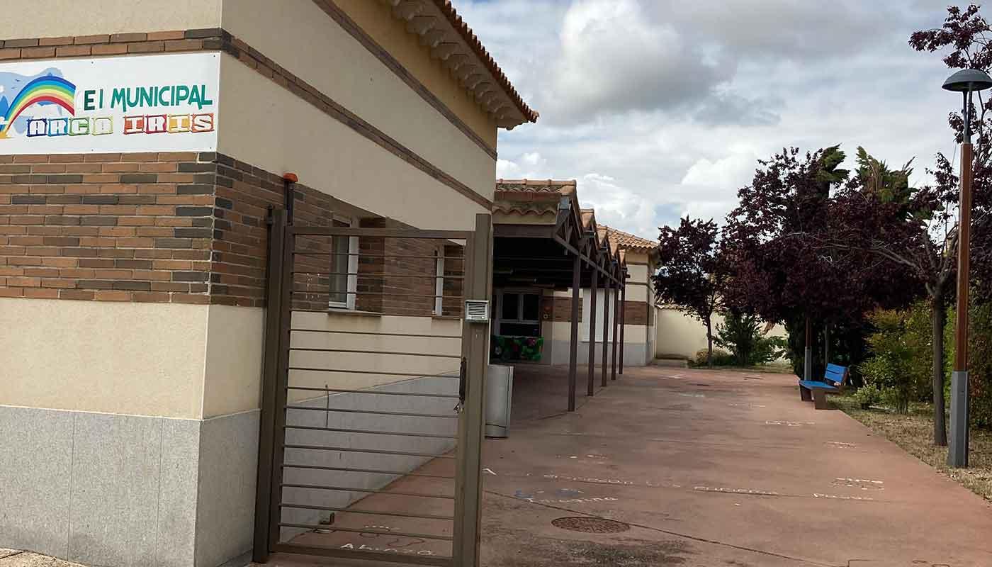 fachada escuela infantil arco iris